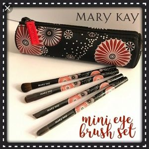 🌴Travel Brush Set with Bag